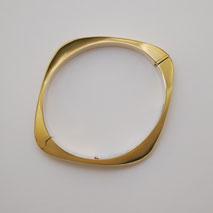 14K Yellow Gold Modern Bangle