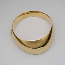 14K Yellow Gold Chevon Bangle