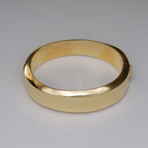 14K Yellow Gold Hinged Bangle, 60.0mm