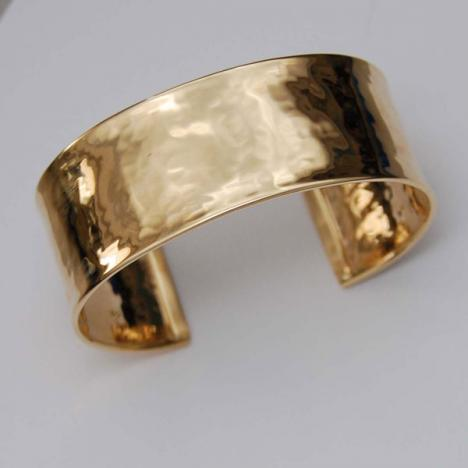 7-Inch 18K Yellow Gold Hammered Shiny Cuff Bangle, 22.0mm