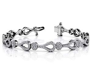 Incredible Teardrop Link And Cluster Bracelet