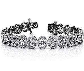 Heirloom Round Center Diamond Bracelet