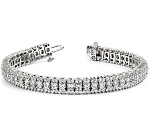 Flashy Prong Set Diamond Bracelet