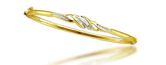 Ladies Diamond Bangle Bracelet .15 Carat Total Weight
