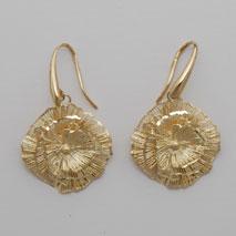 14K Yellow Gold Diamond Cut Flower Earring