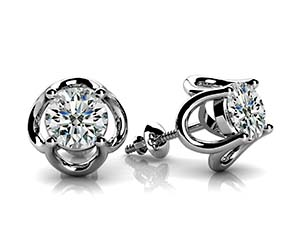 4 Prong Designer Stud Earrings