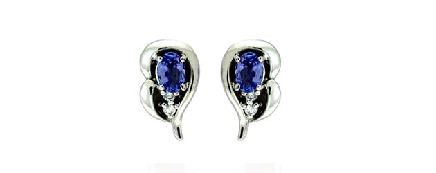 Oval Shape Tanzanite and Diamond Earrings 1.08 Carat Total Weight