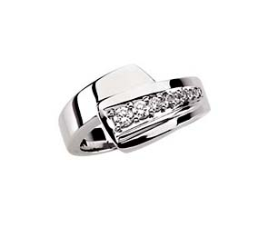 Journey 7 Stone Graduated Diamond Ring