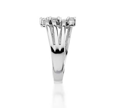 Diamond Right Hand Ring 0.46 Carat Total Weight